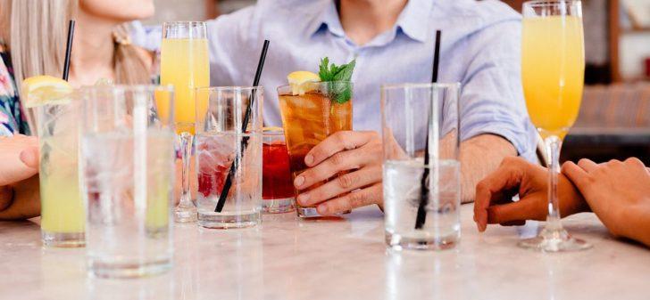 飲み物が並んでいる写真