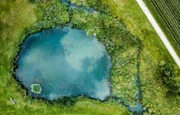 綺麗な湖の写真